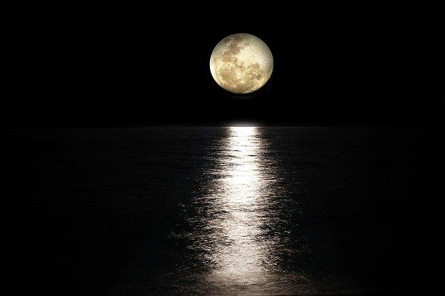 夏の満月の夜には......|守護のおまじない